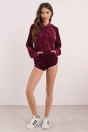 wine-track-star-velvet-hoodie